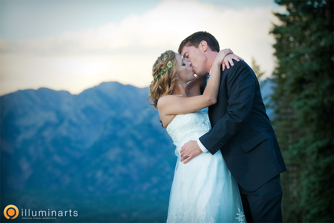 b&m19_durango_wedding_illuminarts